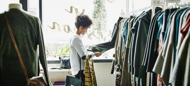 Pourquoi recourir à un grossiste de vêtements sous licence?