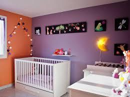 Décorer une chambre de bébé avec goût